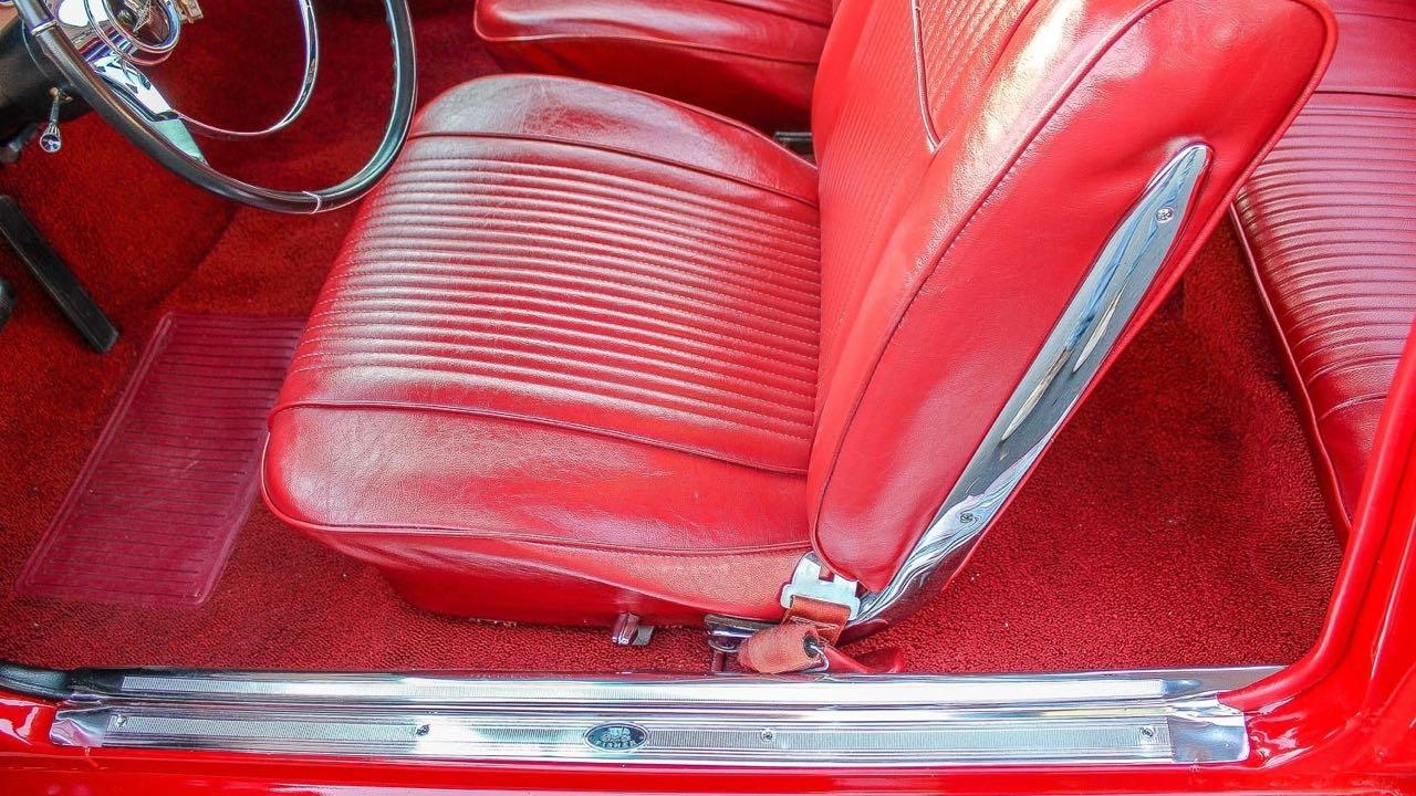 '65 Chevrolet Corvair Monza - Sobre, c'est bien aussi... 66