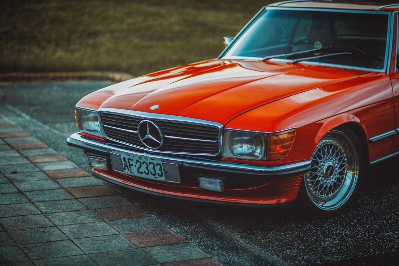 Mercedes 300 SL R107... Sport Luxe ! 4