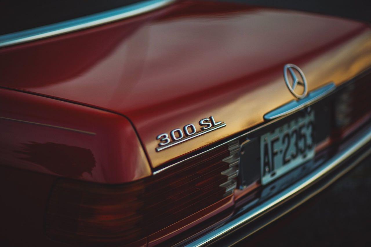 Mercedes 300 SL R107... Sport Luxe ! 3