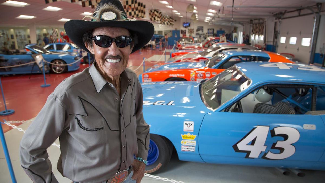 Richard Petty : Plymouth Superbird & Road Runner - La légende du NASCAR... 1