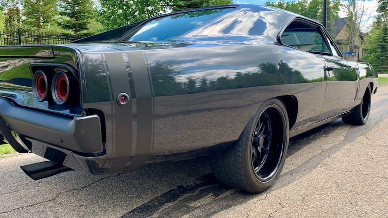 Dodge Charger 1968 - Full dark et pneus cramés ! 4