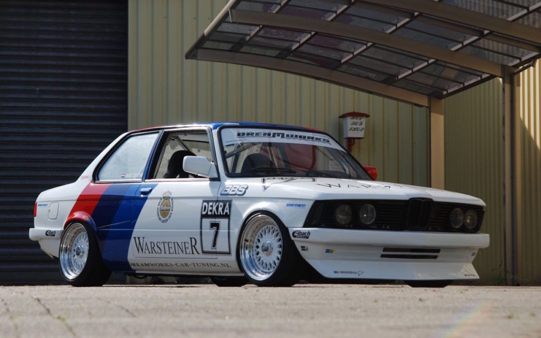 BMW 327i E21… Street car radicale par Dreamworks Cartuning !