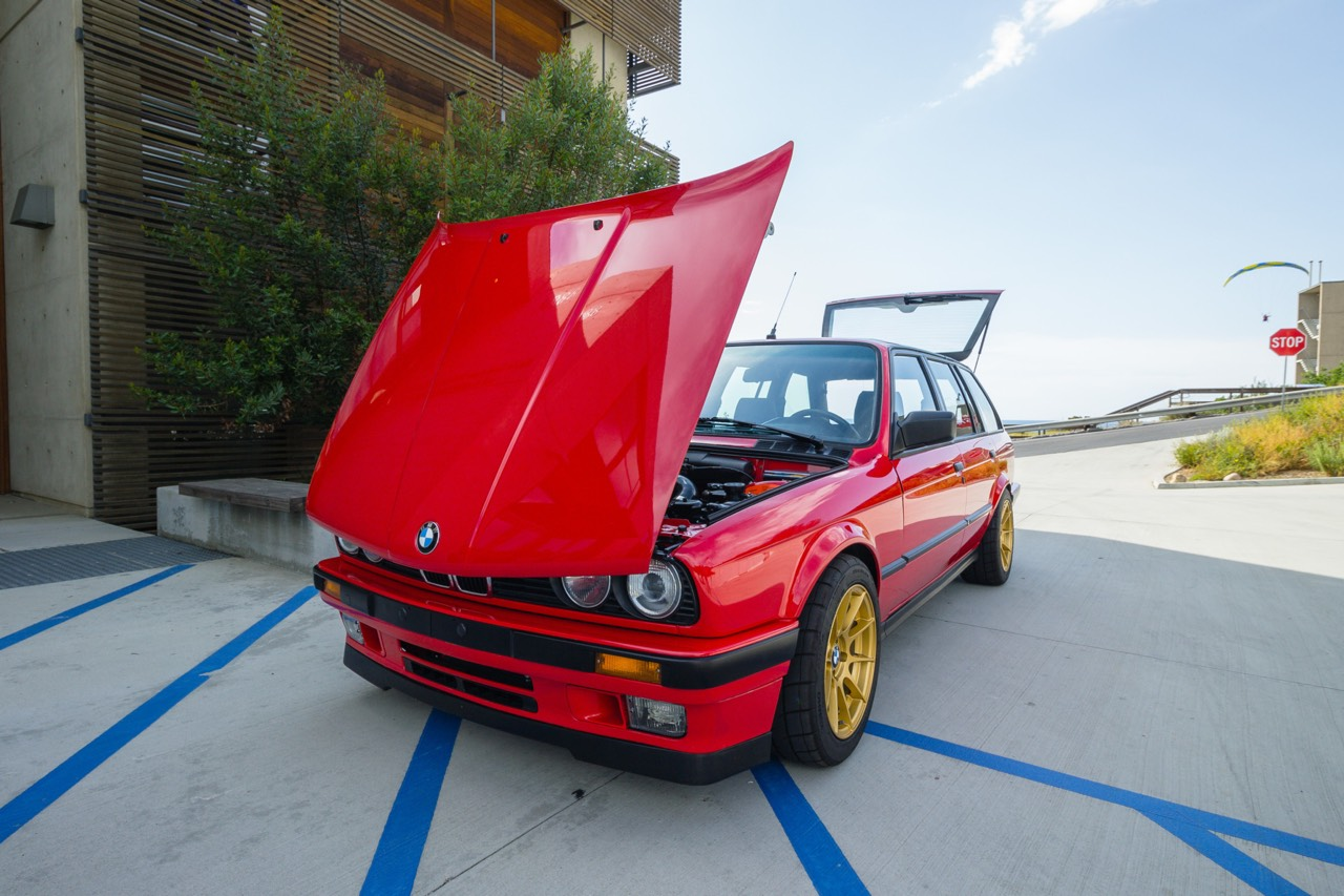 '89 BMW E30 Touring 325i Turbo... Rouge comme l'enfer ! 4