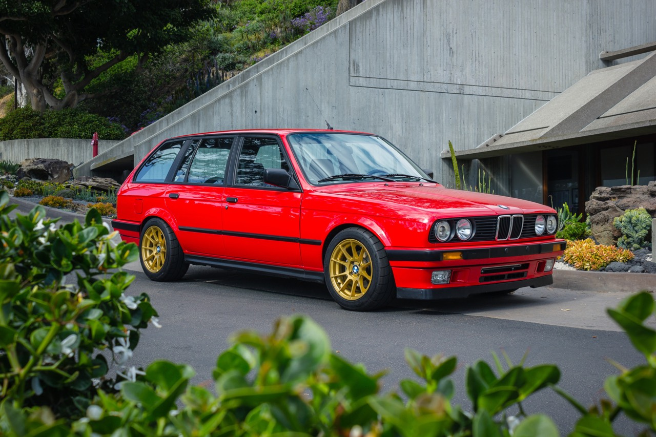 '89 BMW E30 Touring 325i Turbo... Rouge comme l'enfer ! 14