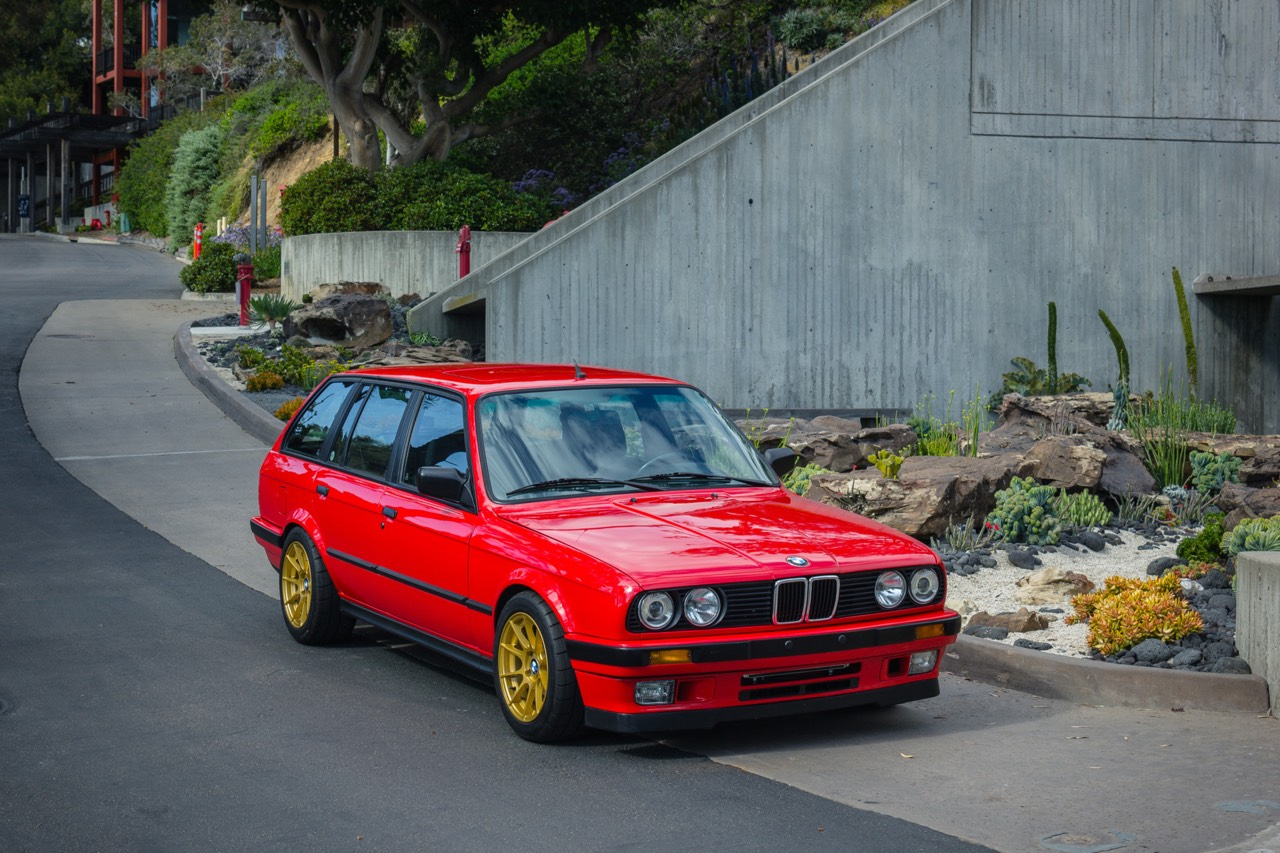 '89 BMW E30 Touring 325i Turbo... Rouge comme l'enfer ! 1