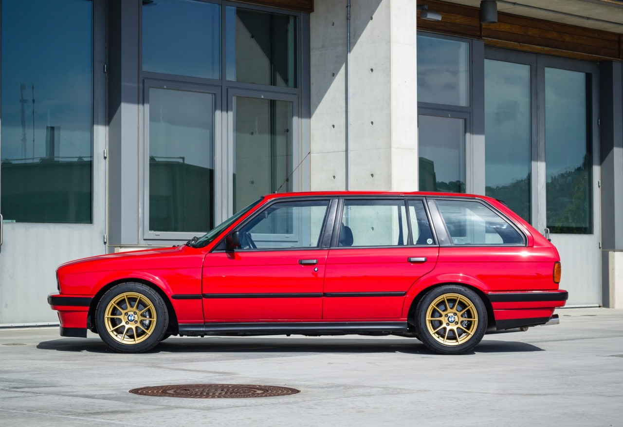 '89 BMW E30 Touring 325i Turbo... Rouge comme l'enfer ! 11