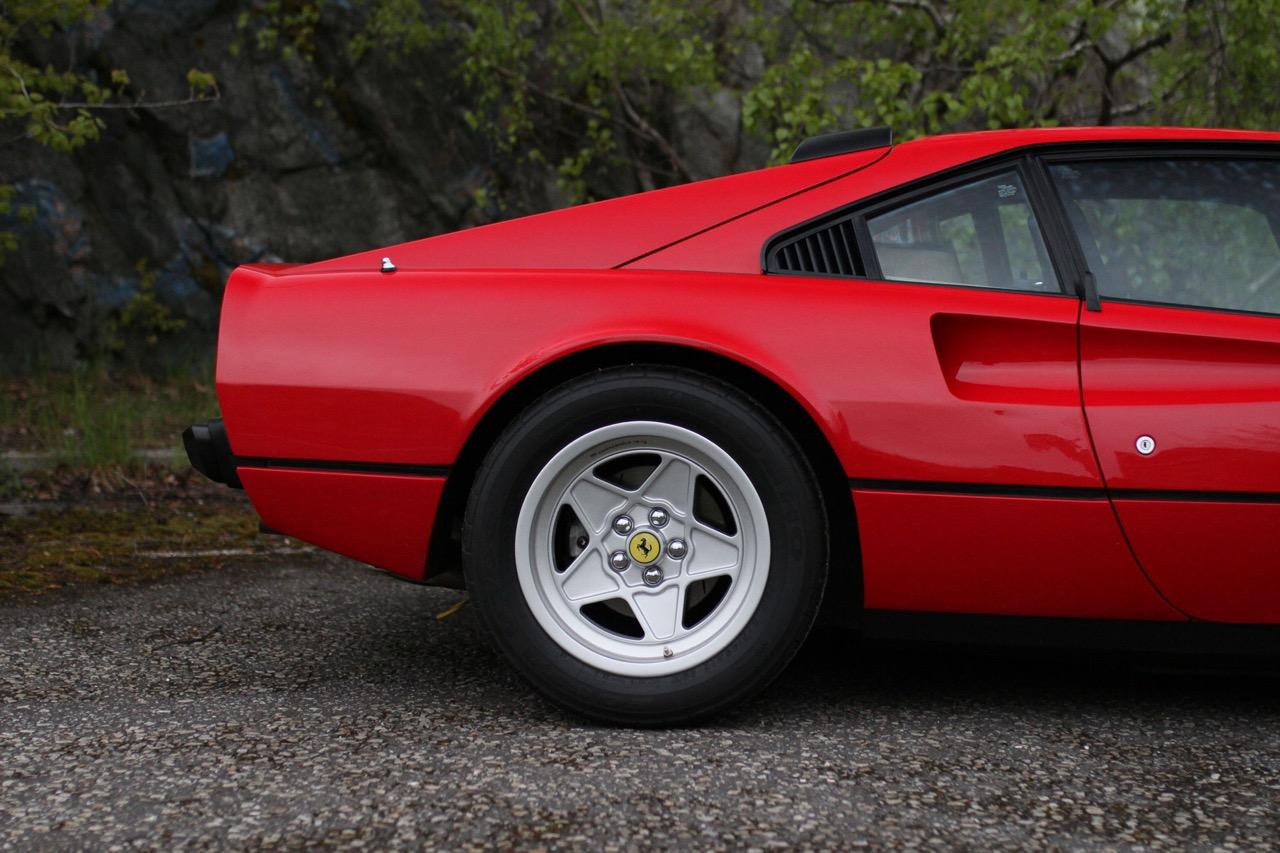 '84 Ferrari 308 GTB QV... Quelques détails qui changent tout ! 5