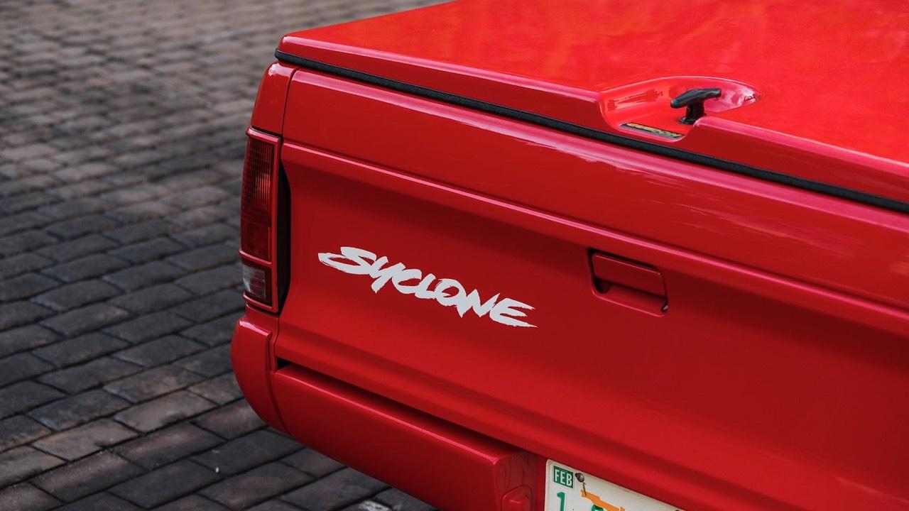 '91 GMC Syclone Marlboro... Pour fumer tout c'qui roule ! 2