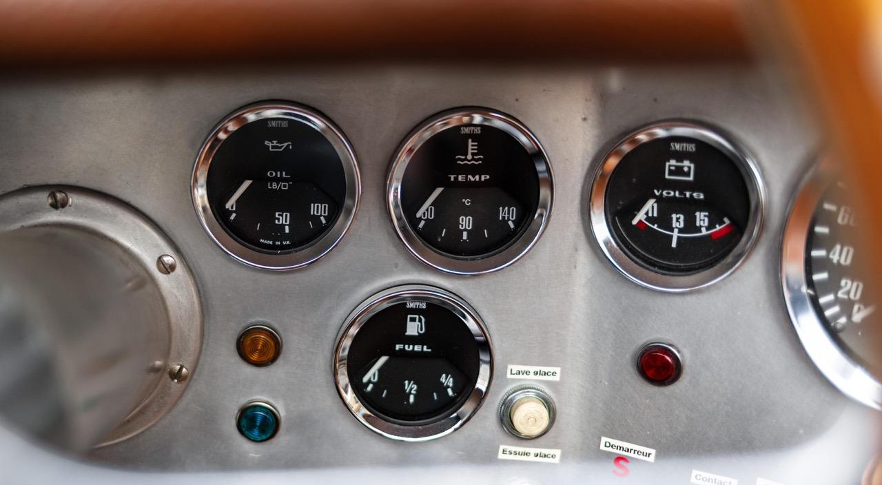 '51 Jaguar XK 120 Roadster - Restomod subtil mais très efficace ! 20
