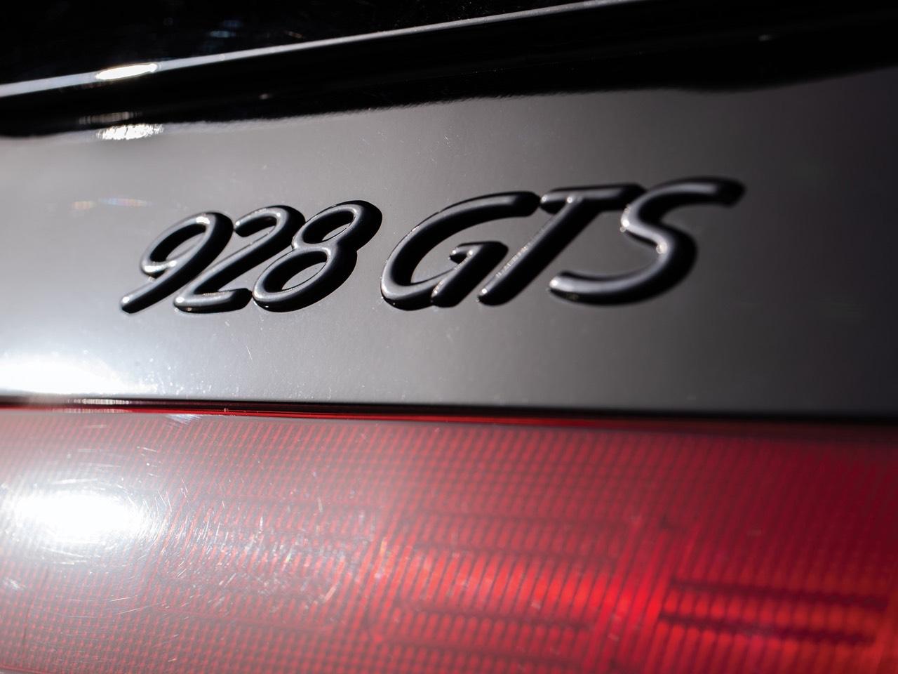 Porsche 928... Et si la meilleure des Porsche c'était elle ?! 24