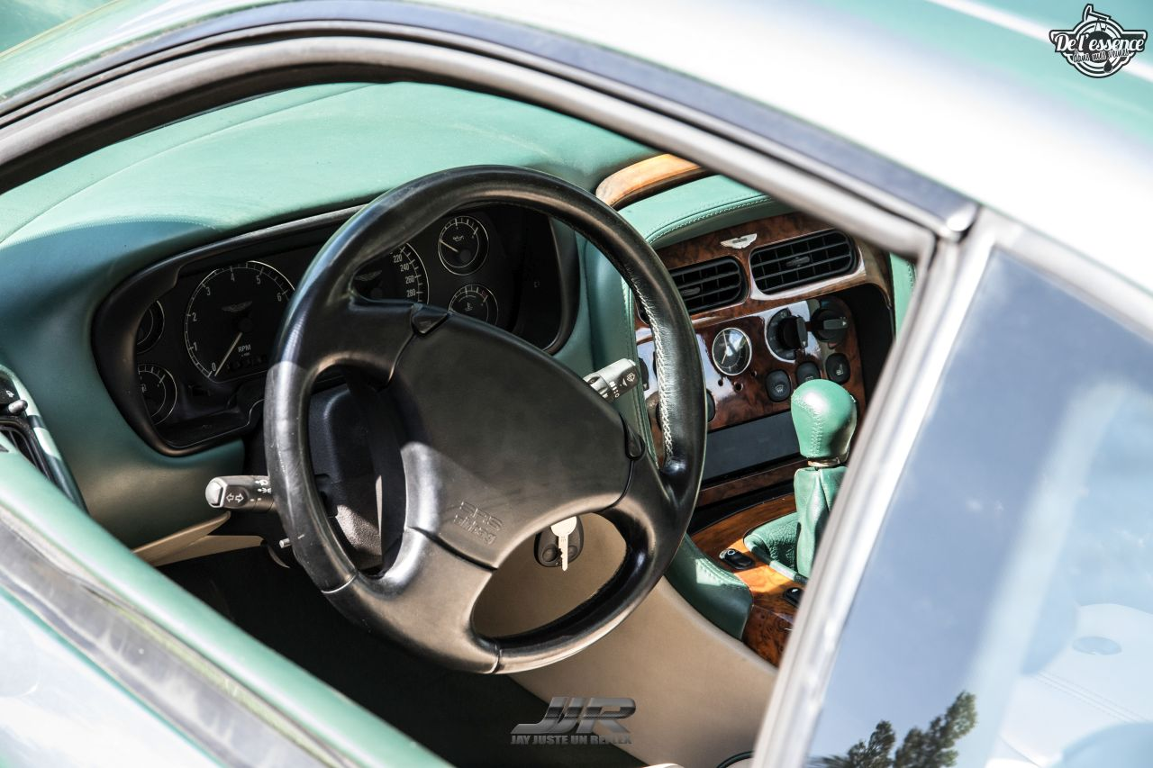 L'Aston Martin DB7 d'Hedi - Champagne, petits fours et clef de 13... 3