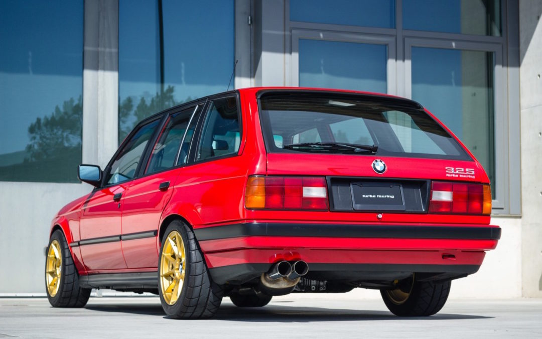 '89 BMW E30 Touring 325i Turbo… Rouge comme l'enfer !