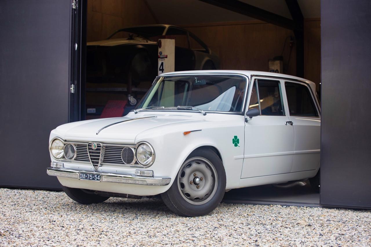 '71 Alfa Romeo Giulia 1300 Super... Enfin, Restomod 2100 Super plutôt ! 66
