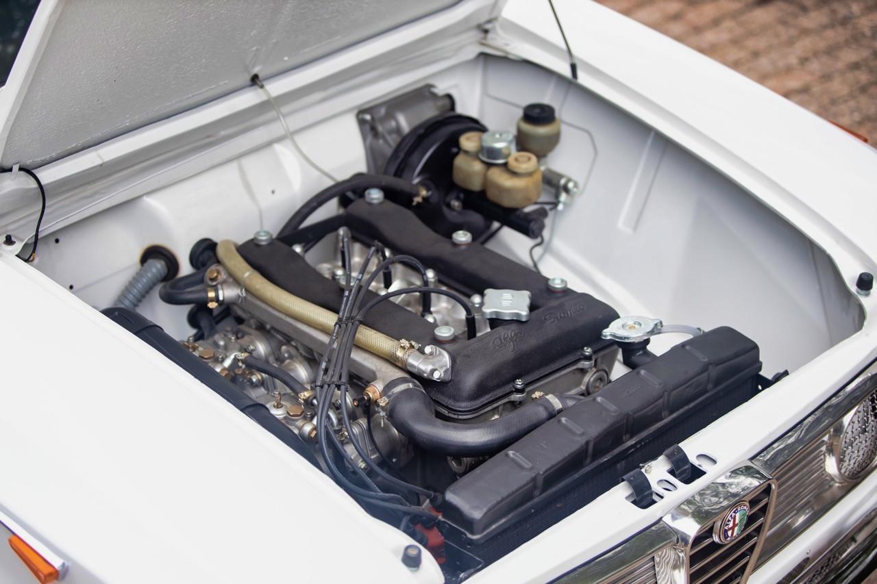 '71 Alfa Romeo Giulia 1300 Super... Enfin, Restomod 2100 Super plutôt ! 58