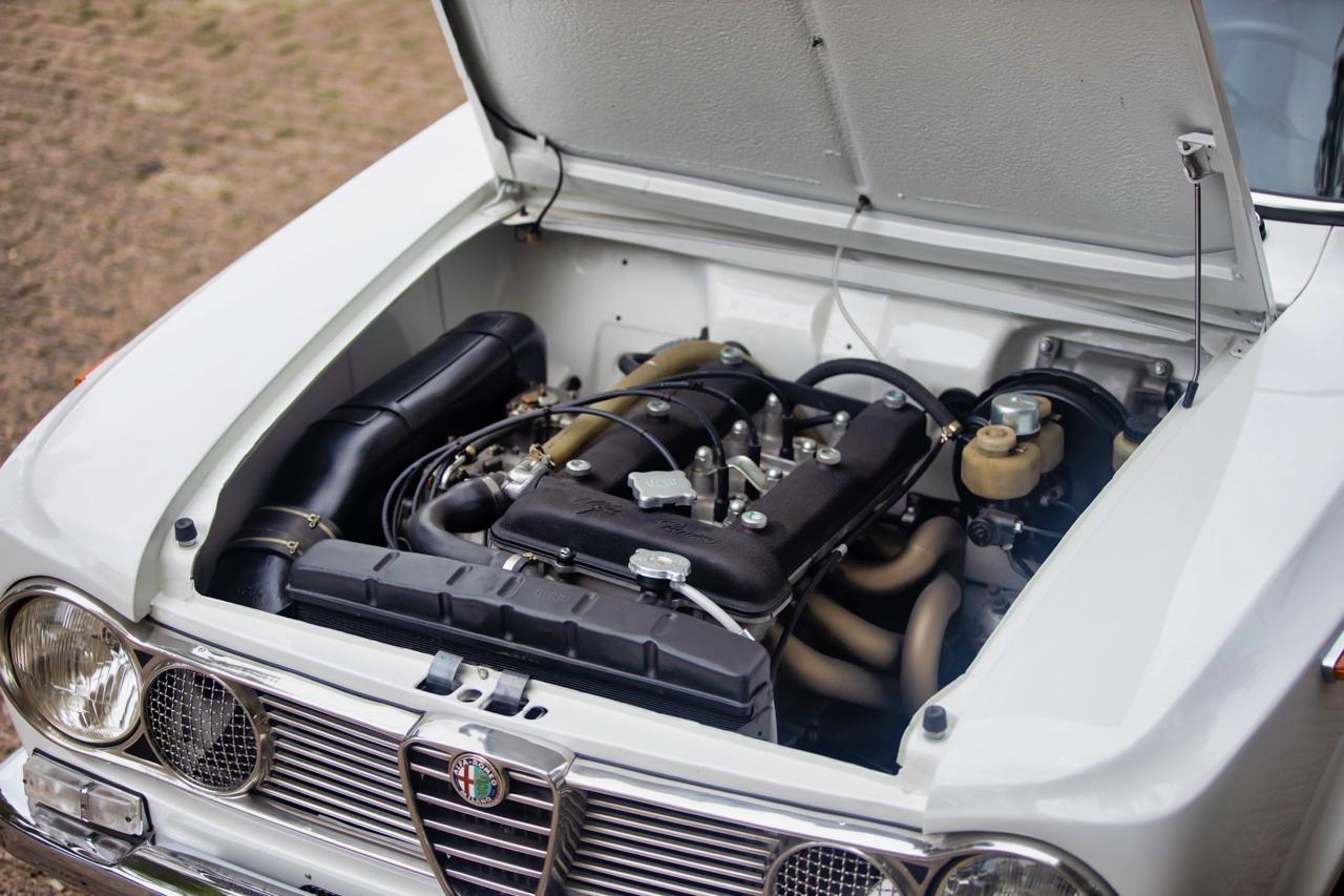 '71 Alfa Romeo Giulia 1300 Super... Enfin, Restomod 2100 Super plutôt ! 57