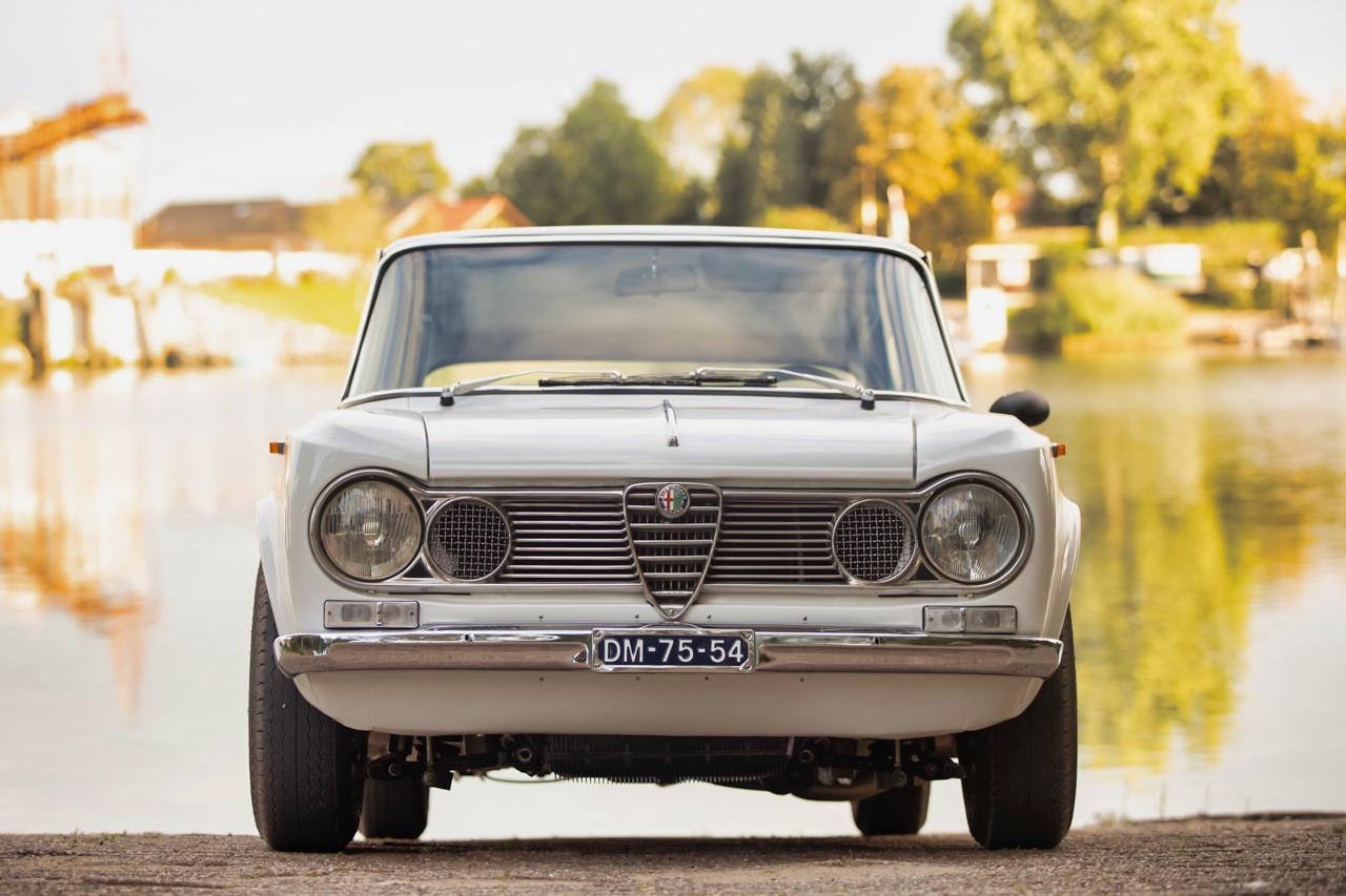 '71 Alfa Romeo Giulia 1300 Super... Enfin, Restomod 2100 Super plutôt ! 64
