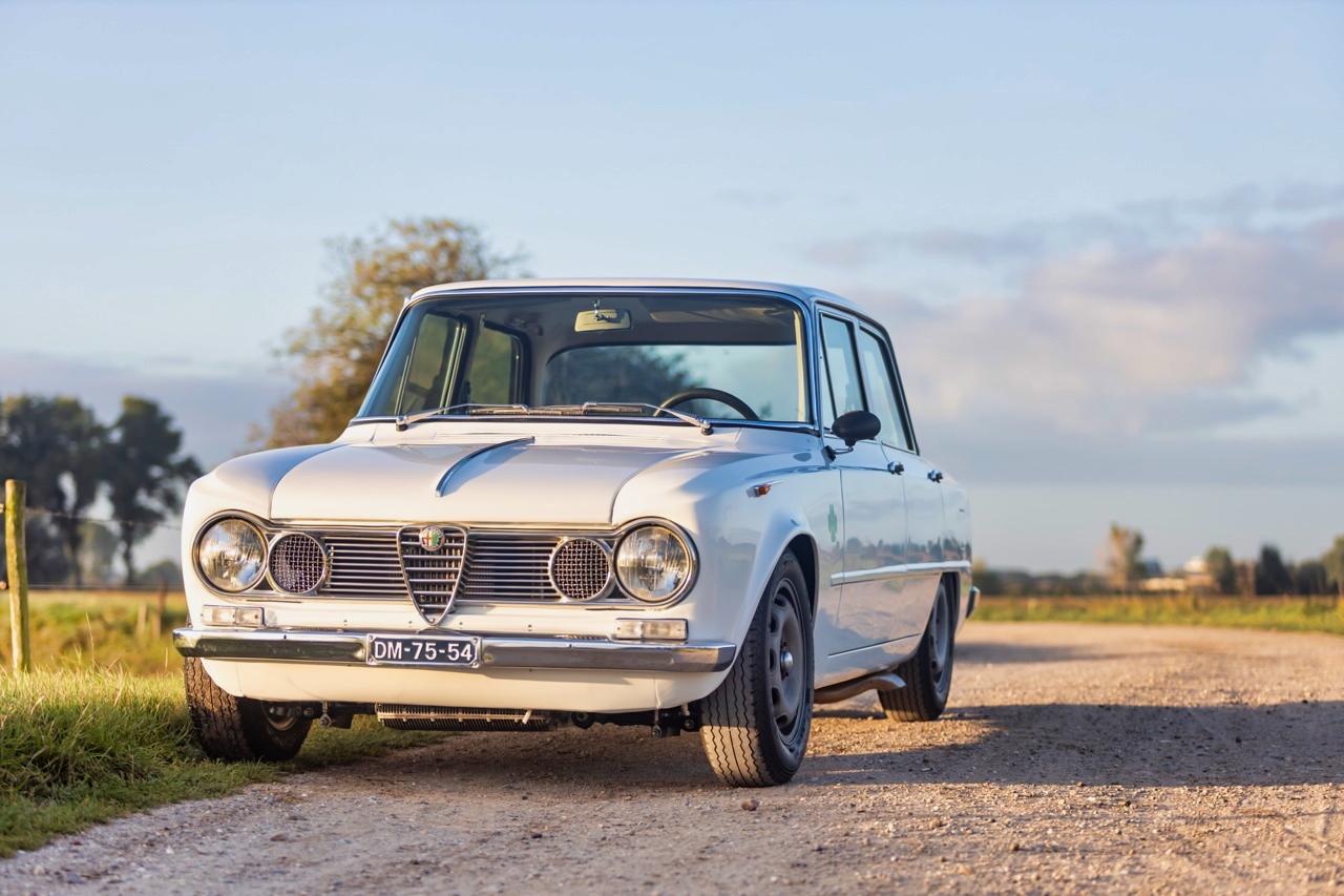 '71 Alfa Romeo Giulia 1300 Super... Enfin, Restomod 2100 Super plutôt ! 54