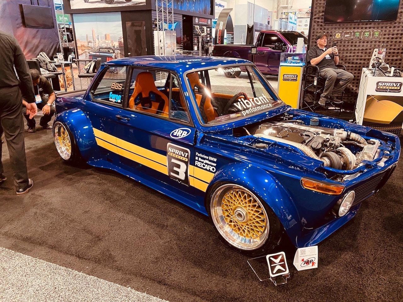 #SEMA 2019 : '72 BMW 2002 - MBeast en 500+ 1