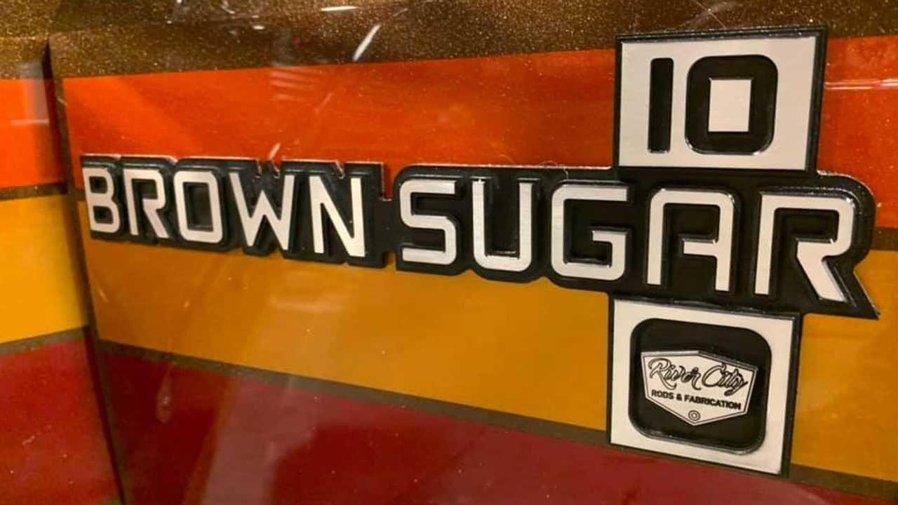 #SEMA 2019 : Brown Sugar Camper - Le camping Chevy C20 version lowww... 6