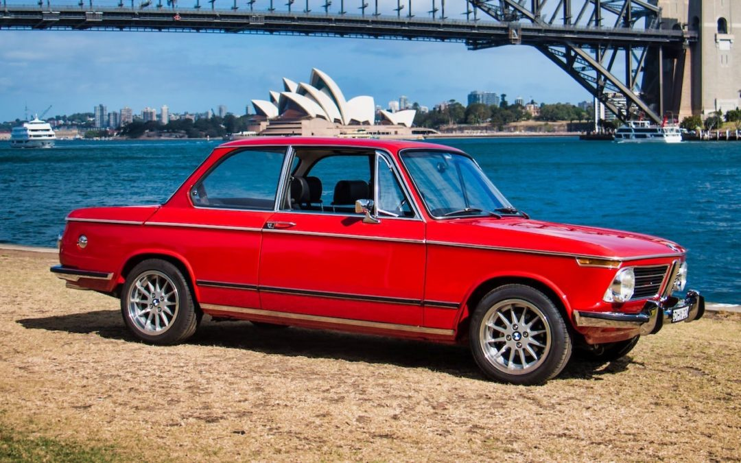 BMW 2002 par Fuel Bespoke Design – Made in Australia !