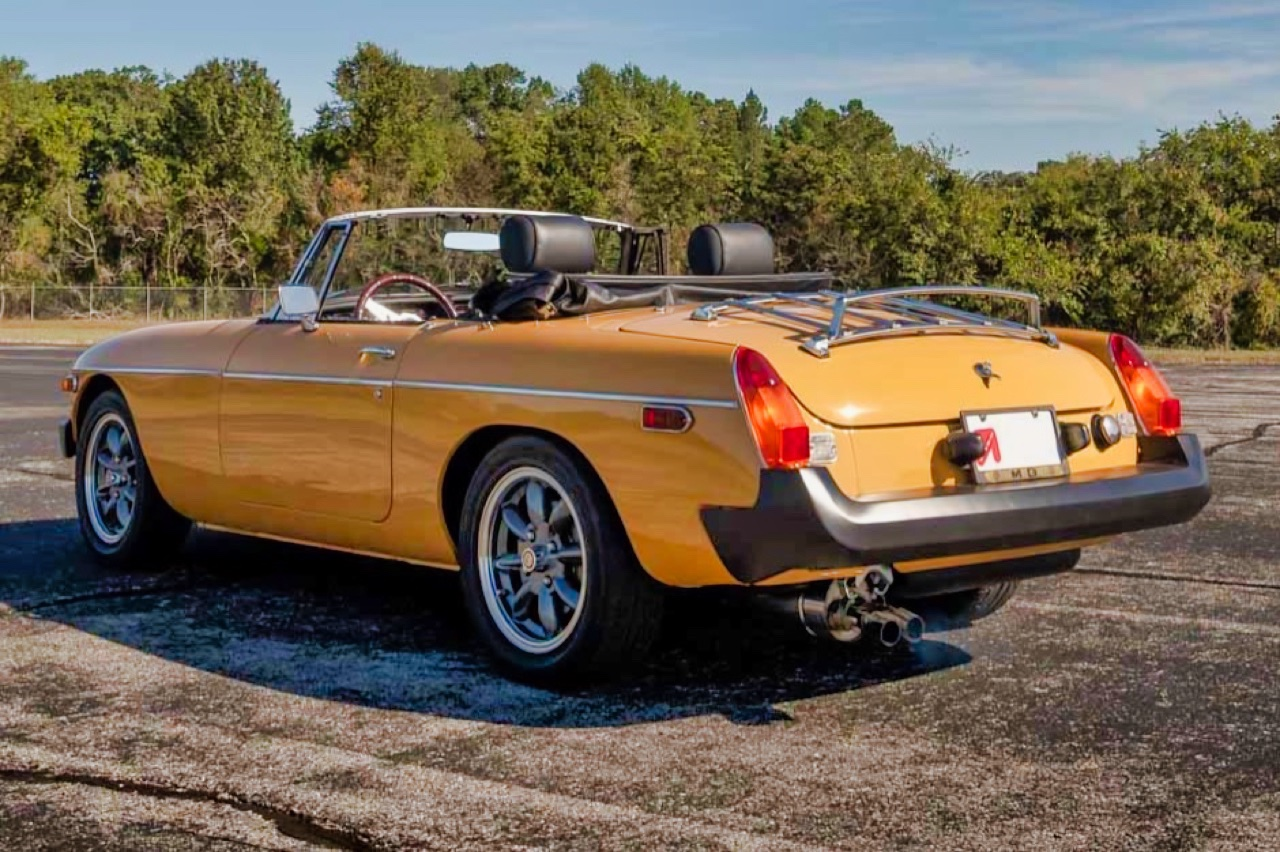 '77 MGB V8... En mode Muscle car ! 6