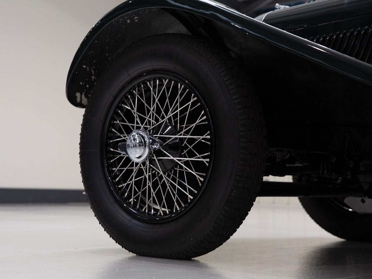Jaguar SS 100... Parce qu'il y a un début à tout. 16