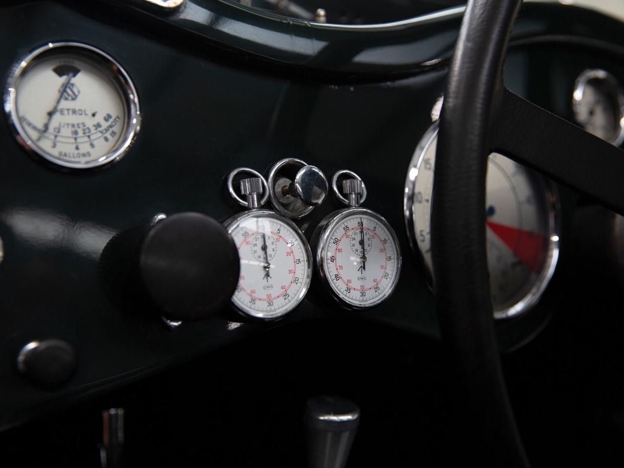 Jaguar SS 100... Parce qu'il y a un début à tout. 13