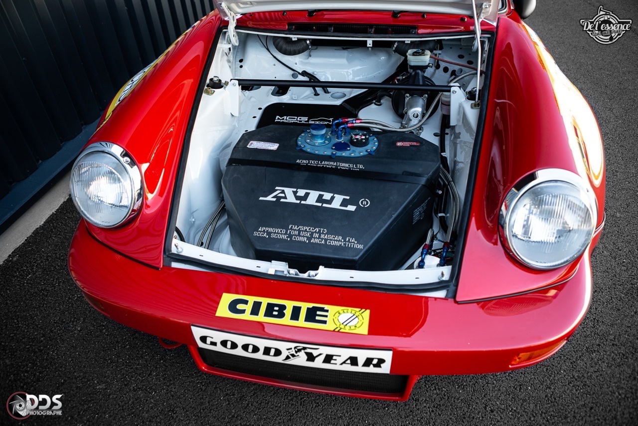 Porsche 911 RSR - 50% restomod, 50% course, 100% MCG Propulsion 13