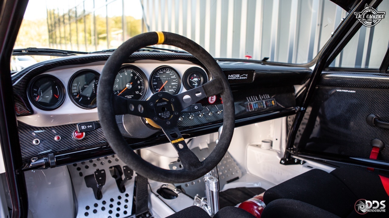 Porsche 911 RSR - 50% restomod, 50% course, 100% MCG Propulsion 36