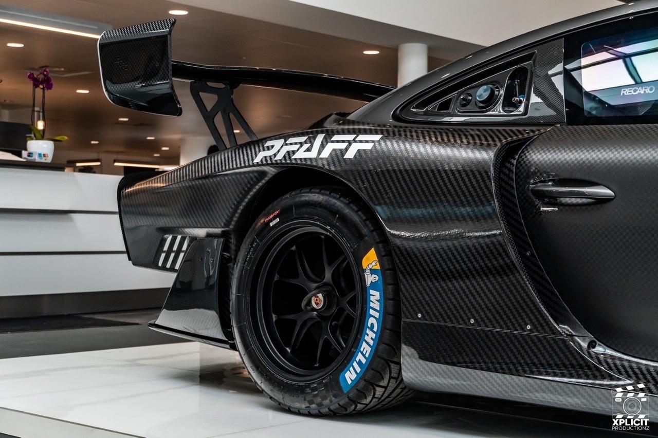 Porsche 935... Full carbone ! 20