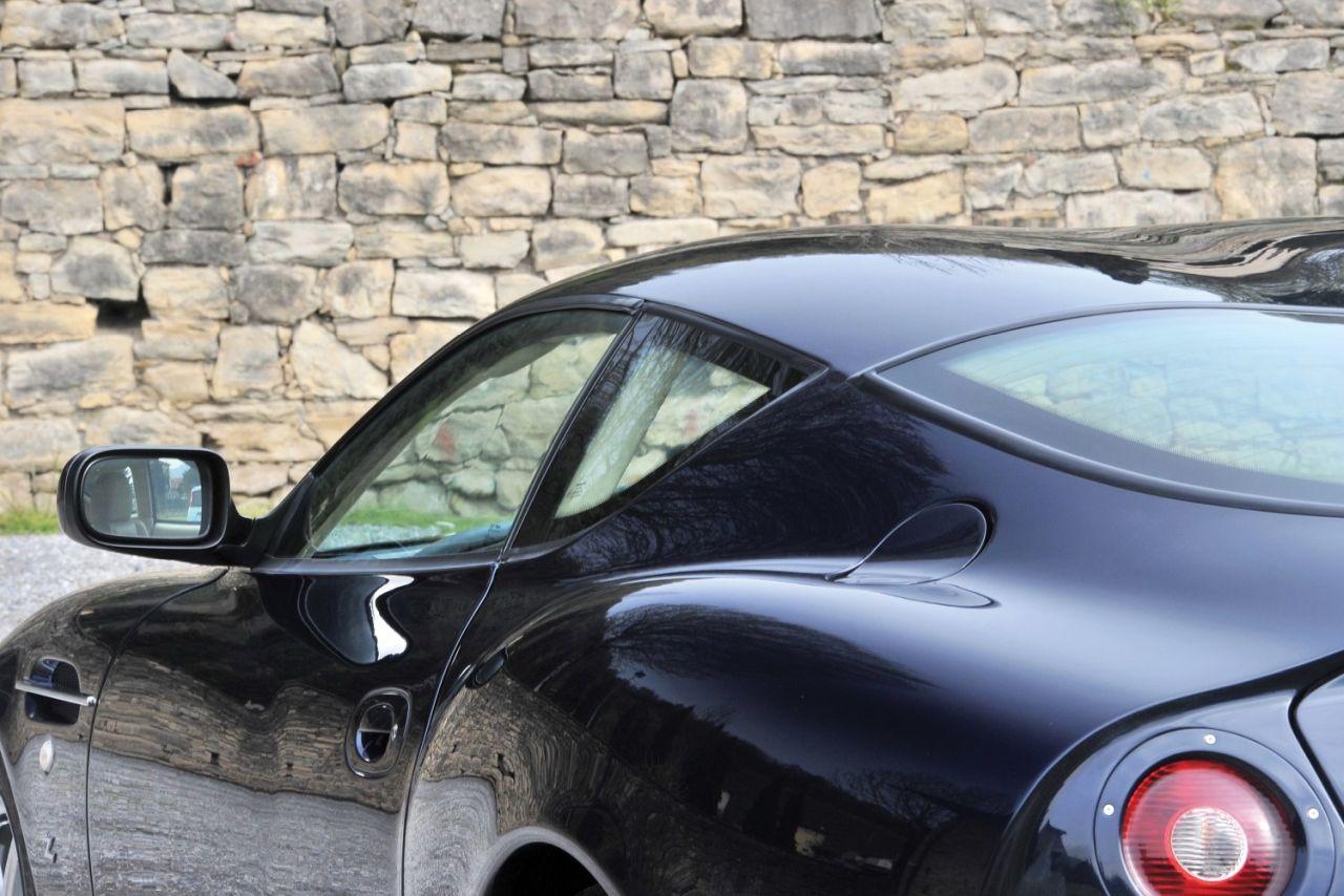 Aston Martin DB7 Zagato - L'autre DB7 ! 32