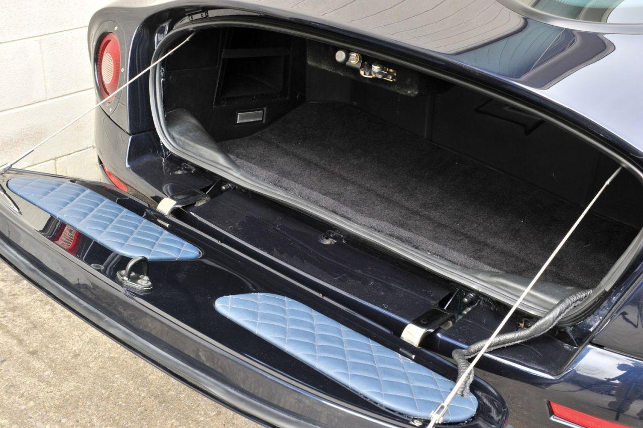 Aston Martin DB7 Zagato - L'autre DB7 ! 36