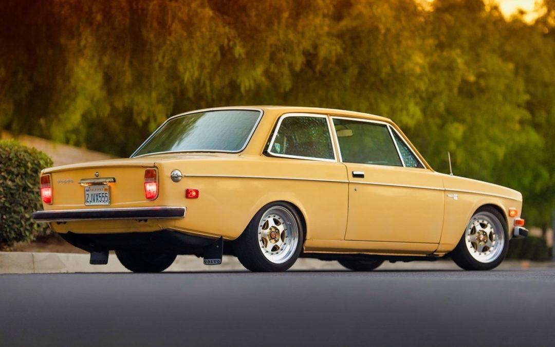 '72 Volvo 140 S – Même une brique peut être cool !