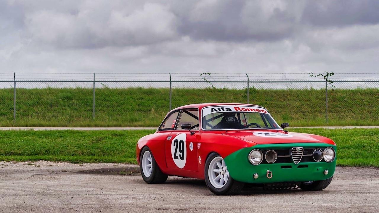 Alfa Romeo 2000 GTAm - En rouge et vert ! 1