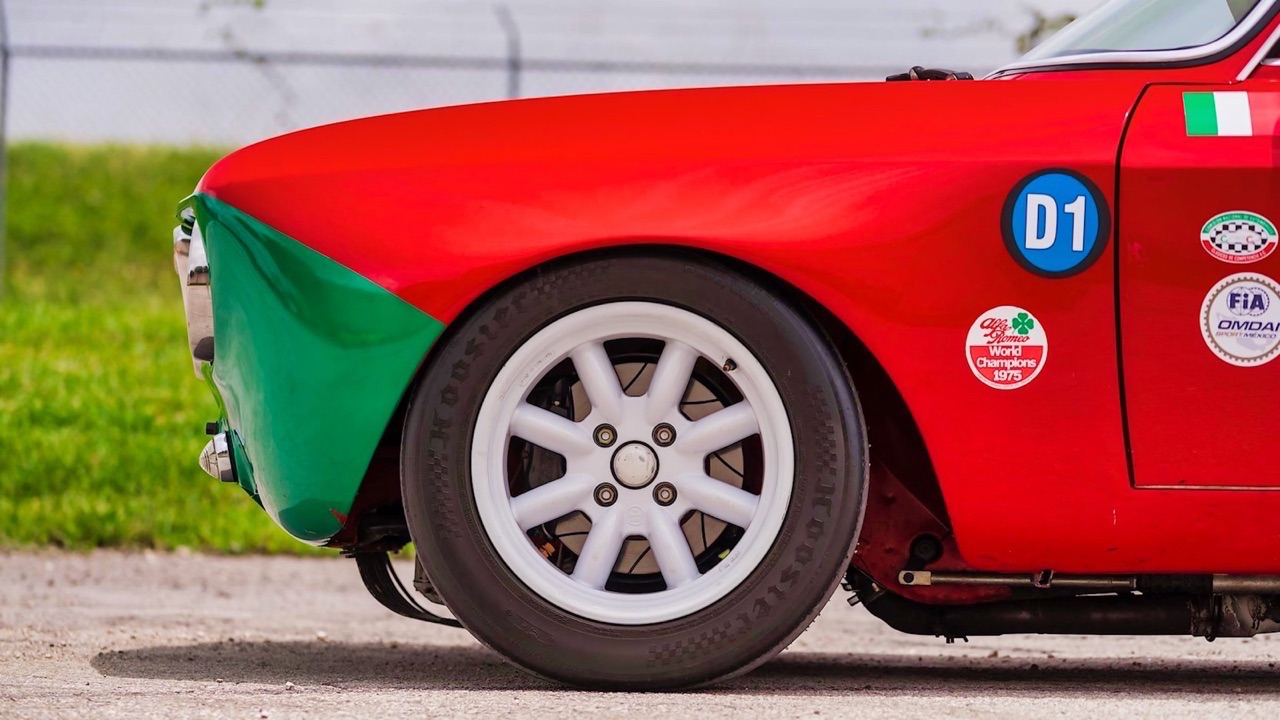 Alfa Romeo 2000 GTAm - En rouge et vert ! 5