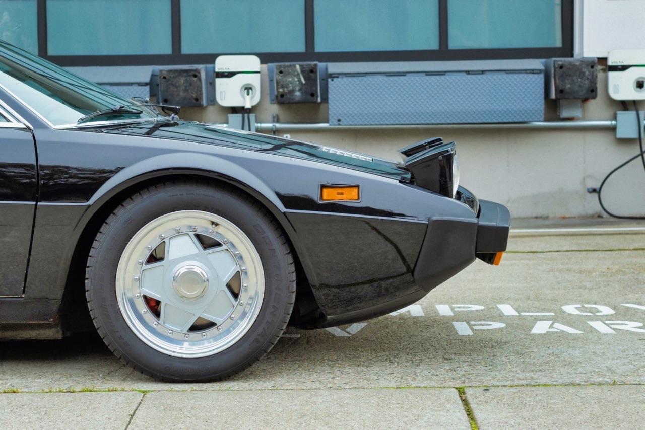'75 Ferrari 308 GT4... La classe ! 5