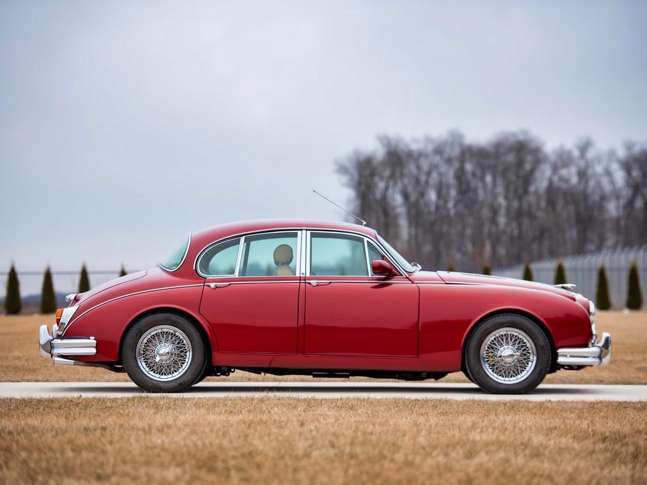 Restomod Jaguar MkII 3.8... enfin, plutôt Beacham V8 Supercharged ! 6