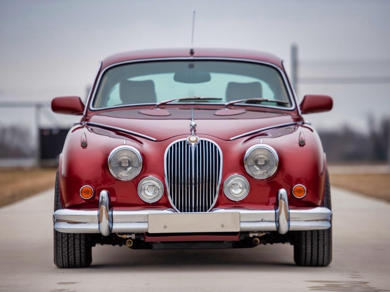 Restomod Jaguar MkII 3.8... enfin, plutôt Beacham V8 Supercharged ! 1