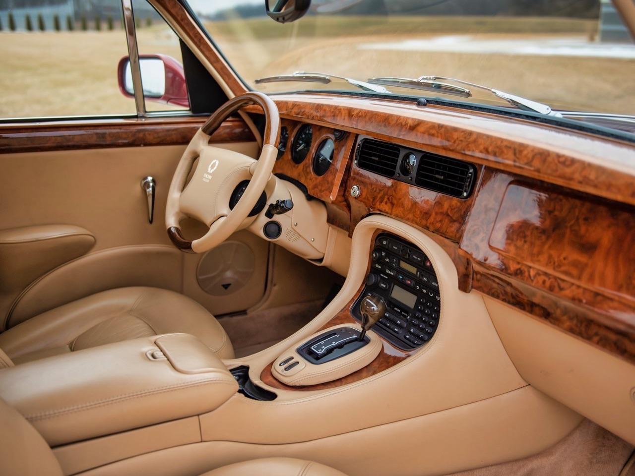 Restomod Jaguar MkII 3.8... enfin, plutôt Beacham V8 Supercharged ! 10