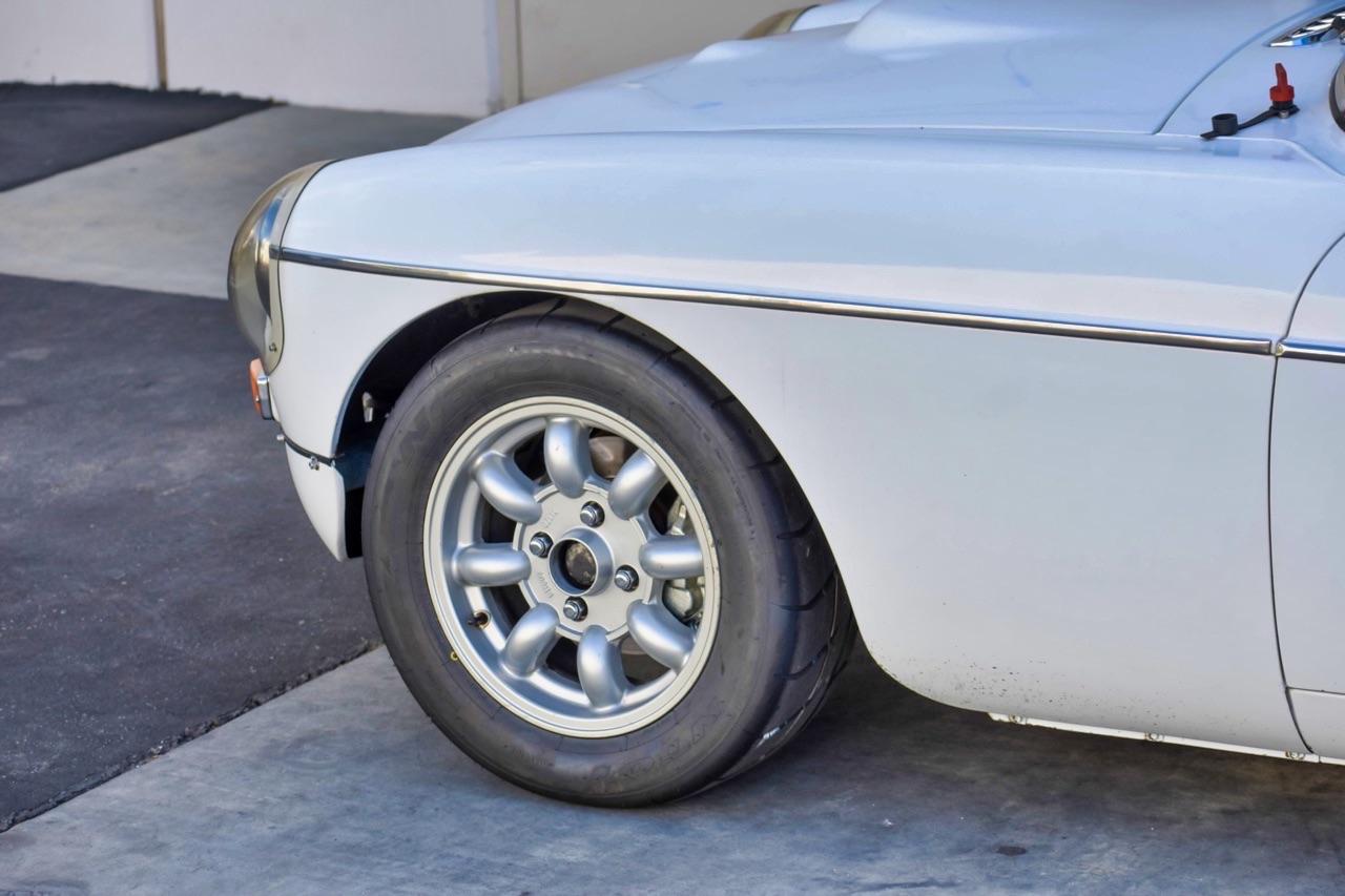'74 MG MGB GT V8 - Dévergondée ! 11