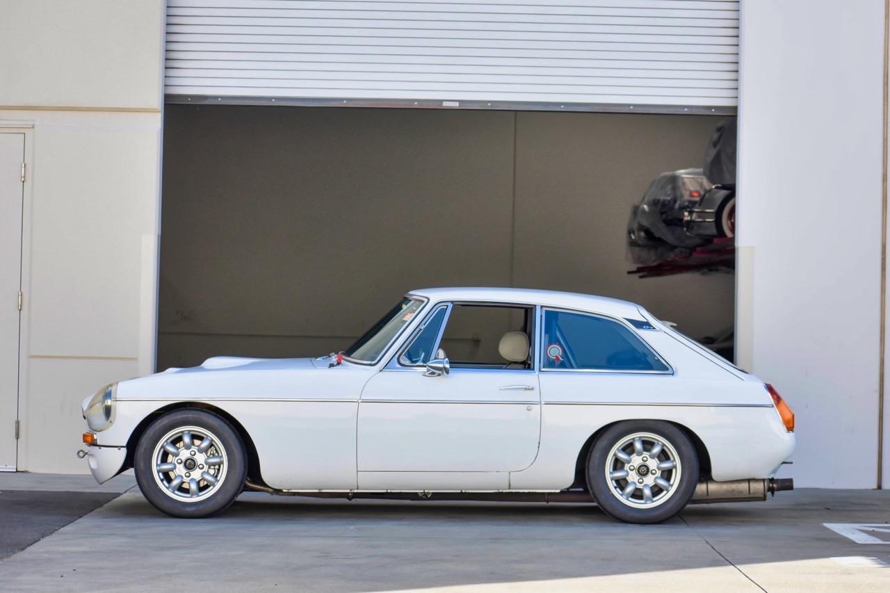 '74 MG MGB GT V8 - Dévergondée ! 8