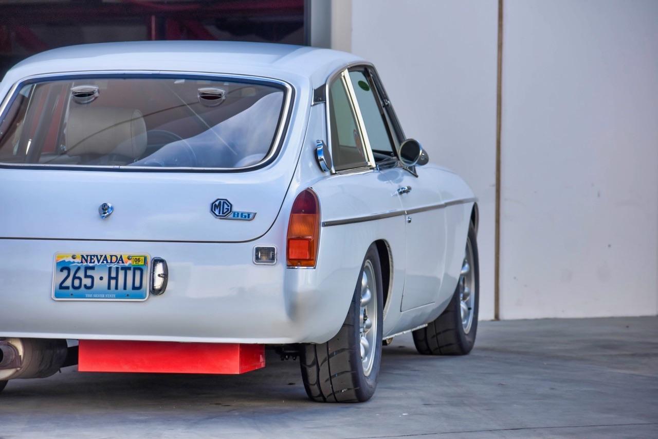'74 MG MGB GT V8 - Dévergondée ! 1