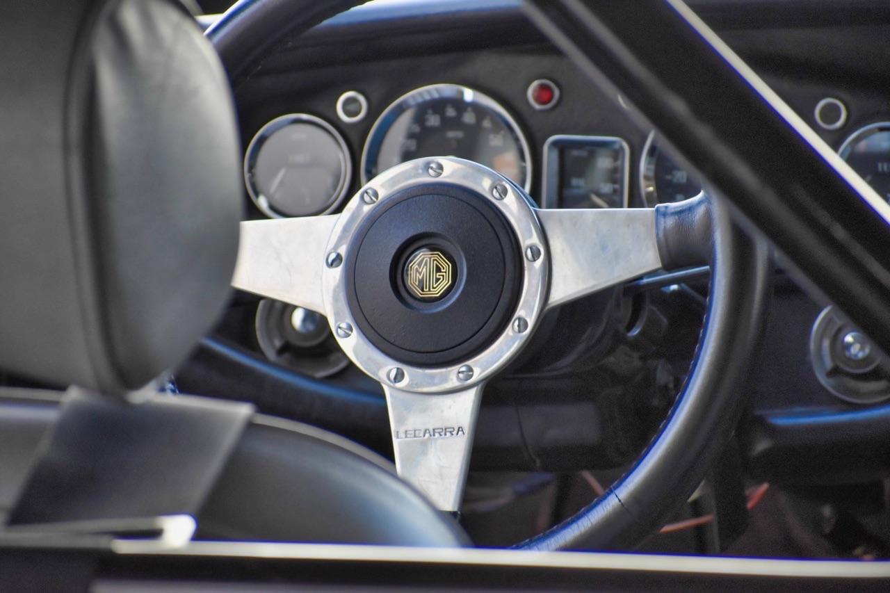 '74 MG MGB GT V8 - Dévergondée ! 18