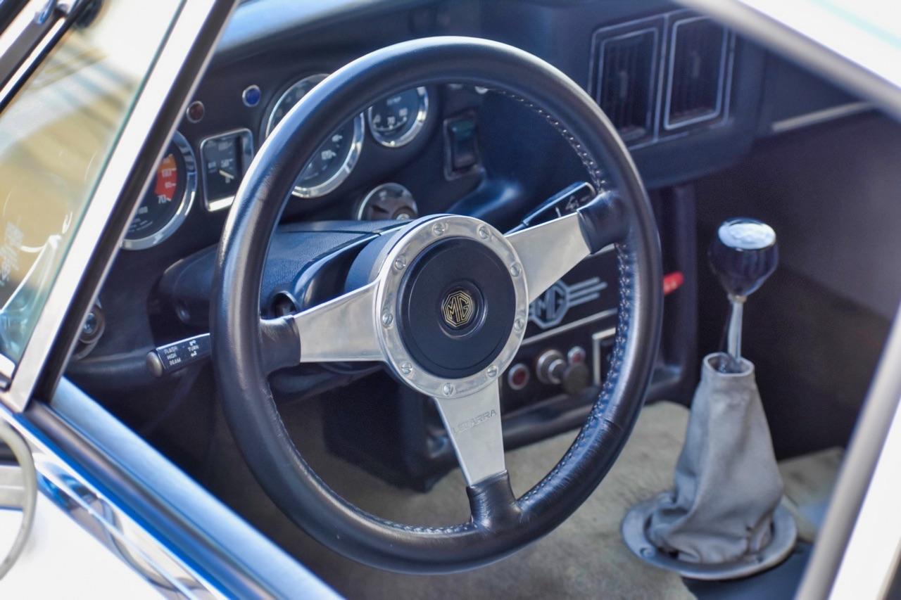 '74 MG MGB GT V8 - Dévergondée ! 17
