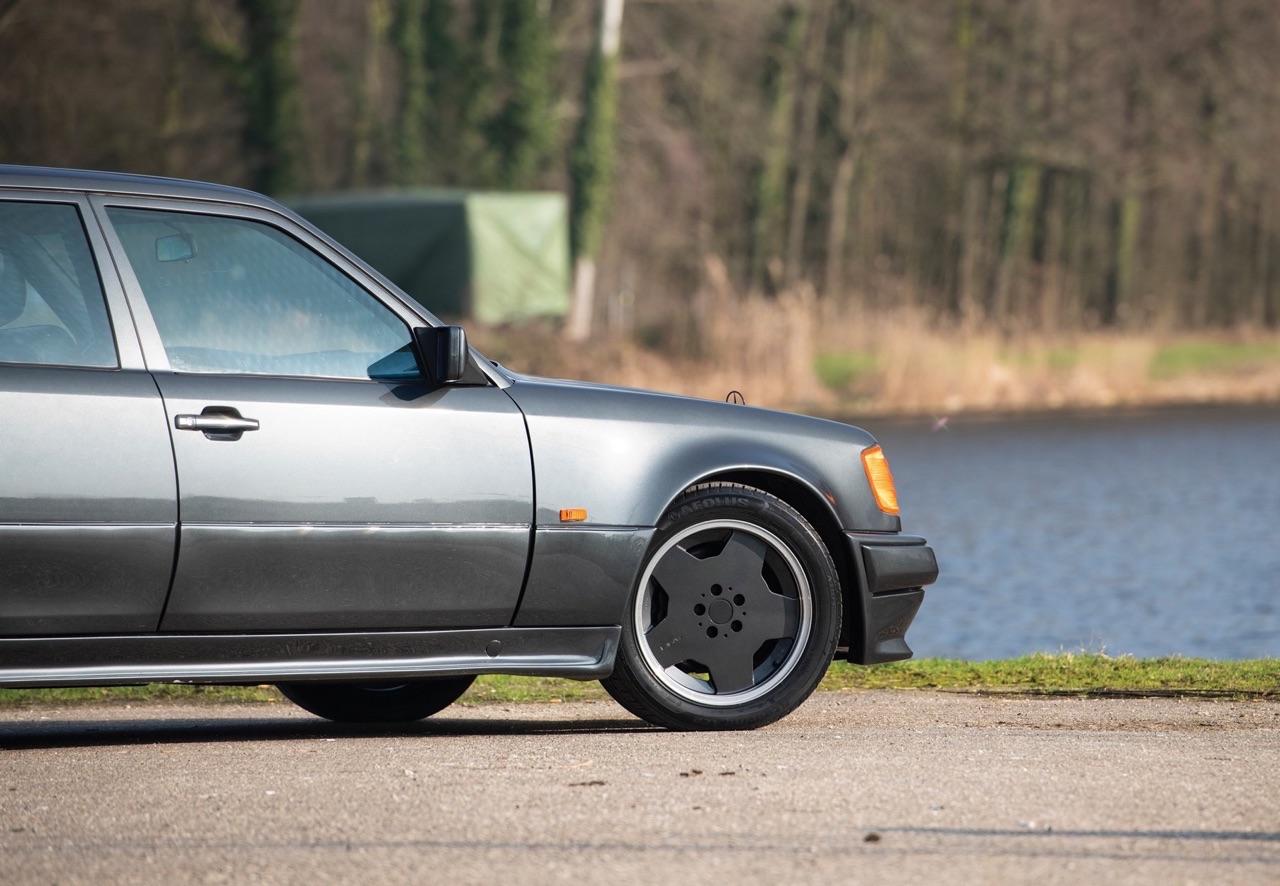 Mercedes 500E AMG 6.0... Autobahn queen ! 35