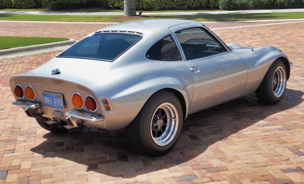 '72 Opel GT... 1.8l Turbo ! Enfin un moteur digne de sa gueule... 12