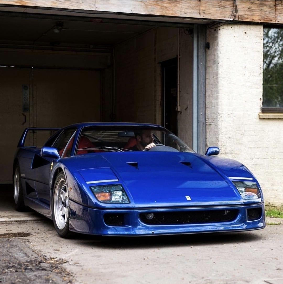 Ferrari F40 - Nel blu dipinto di blu... 3