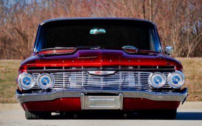 Custom '61 Chevrolet Impala SS… Doggystyle !