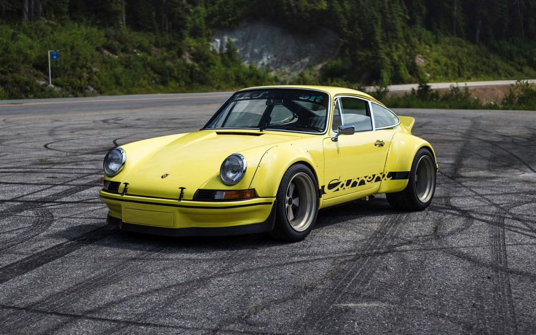 Porsche 911 Carrera 3.2 by RWB – Backdating extra large !