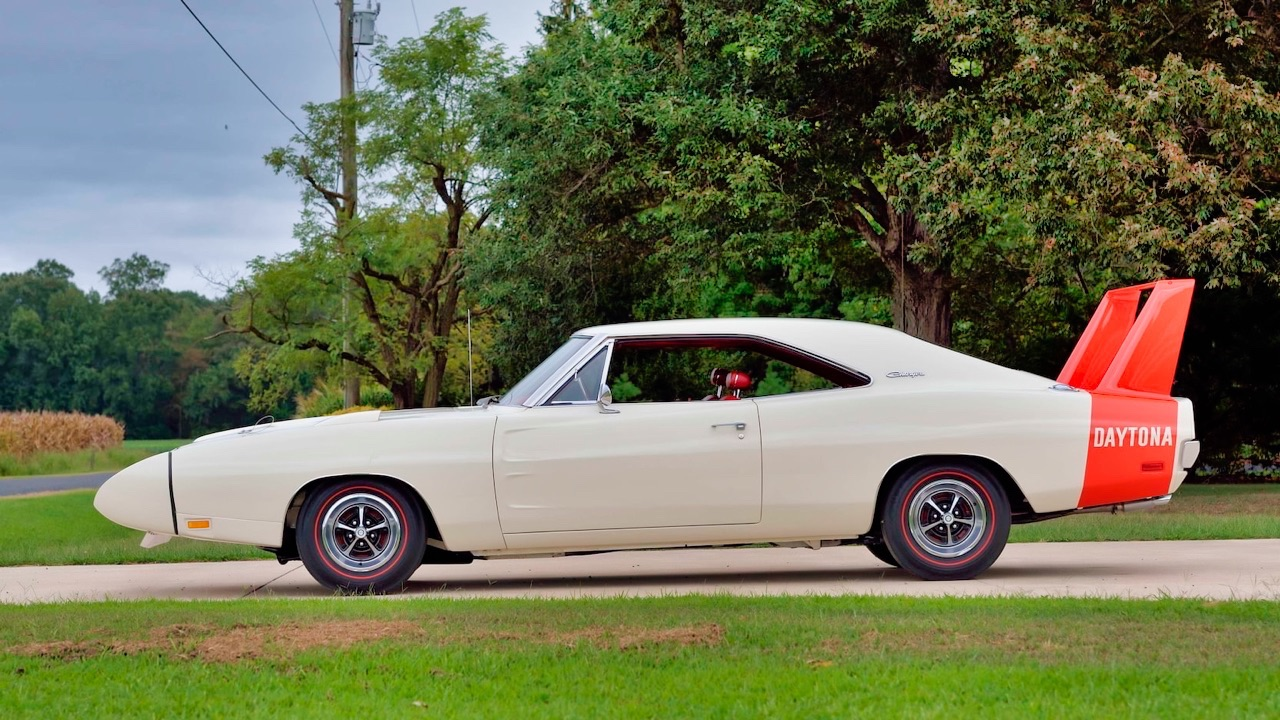 '69 Dodge Charger Daytona... Simplement Deeeuuuuuuux ! 3